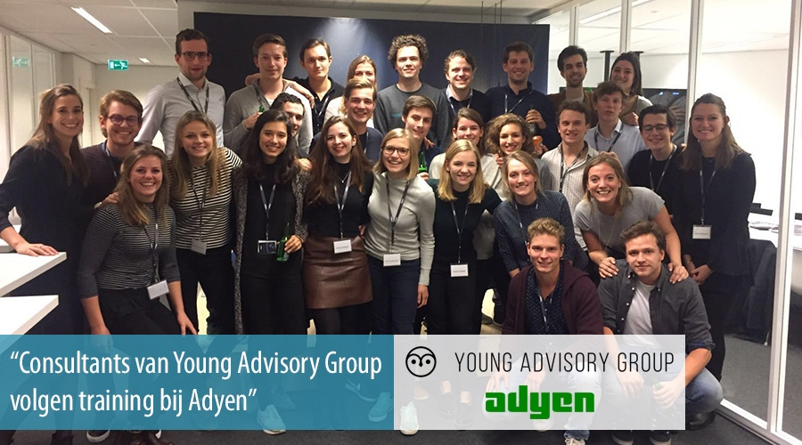Young Advisory Group consultants volgen training bij Adyen