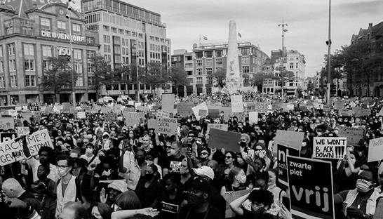 Black Lives Matter-protest in Amsterdam wint Issue Award 2021