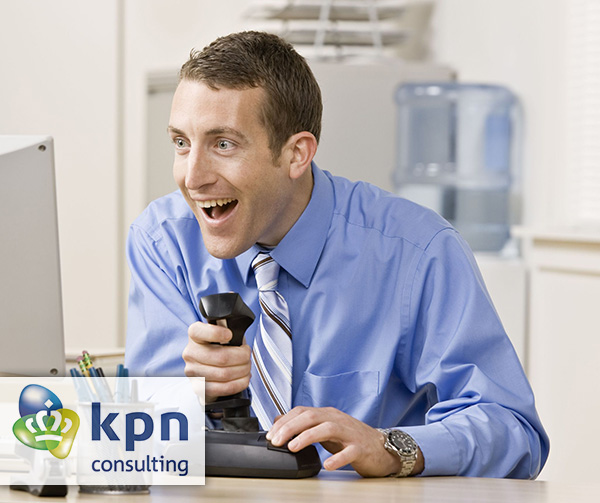 Businessman playing video games - KPN consulting