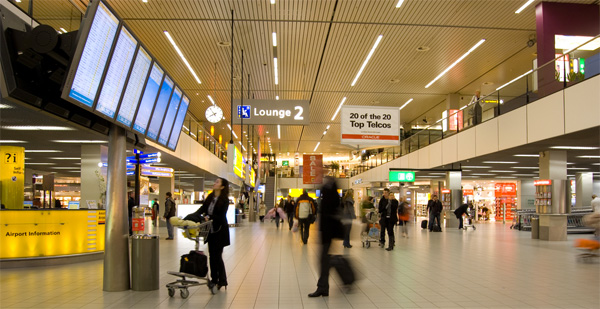 Schiphol Airport in top drie beste luchthavens